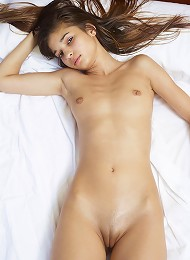 Nikola Bed Gymnastics